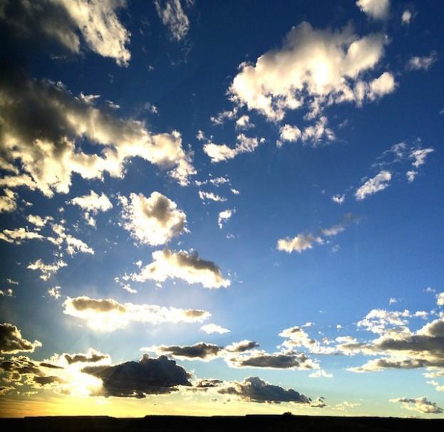 clouds-352500_1280